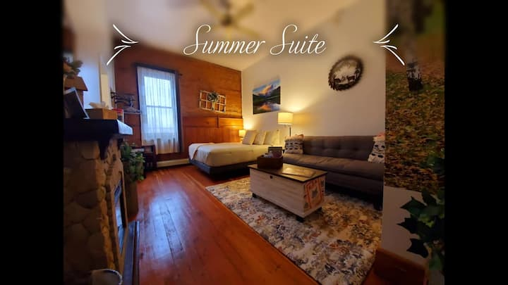 The Summer Suite at the Aspen Inn