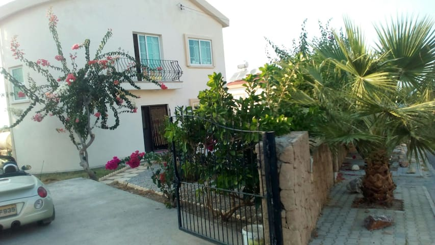 Beautiful Villa- Ideal for Couples & Families