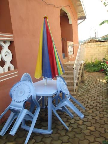 VILLA LE MAGNIFICAT - Yaounde - Huis