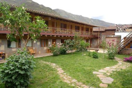 Guest House Pisac Inca  - Pisac - Aamiaismajoitus
