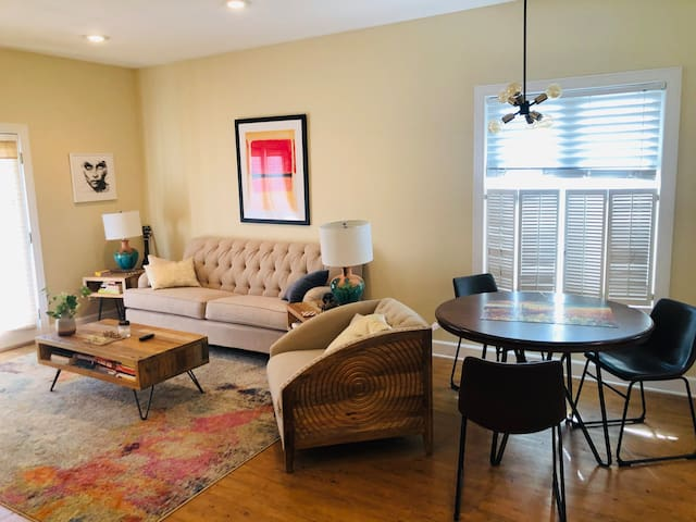 Sublet One bedroom w/ Gated Parking and W/D.