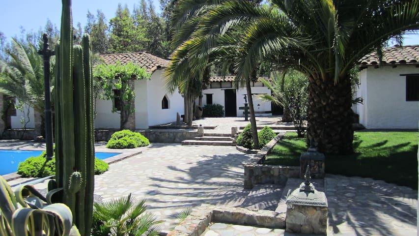 Hermosa  Casa de Campo Chilena