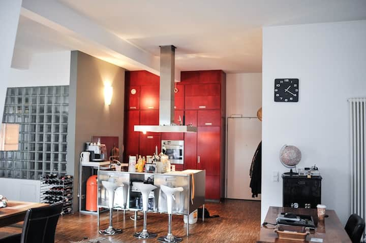 Lichtdurchflutetes Designer Loft