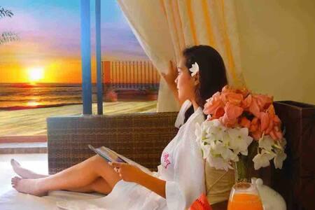 Havendwell Beach Resort Sunset View Room