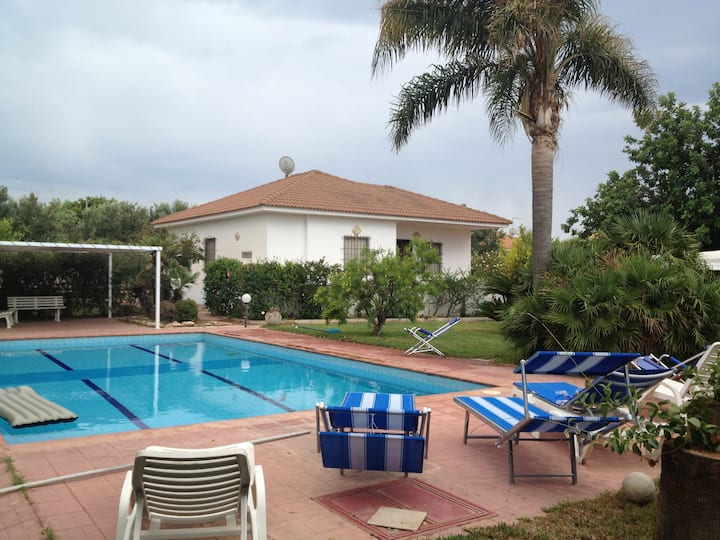 VILLA NICASTRO con piscina indipendente