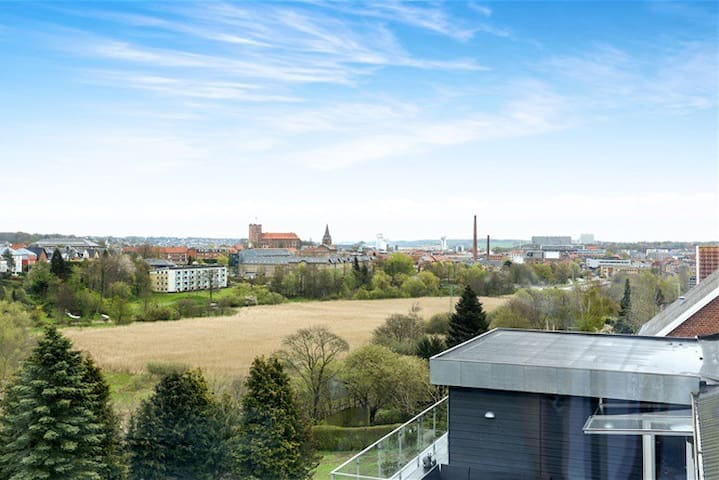 View, balcony and close to LEGOLAND - Kolding - Apartament