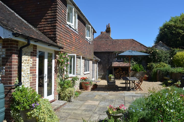 Delightful village location, close to Goodwood.
