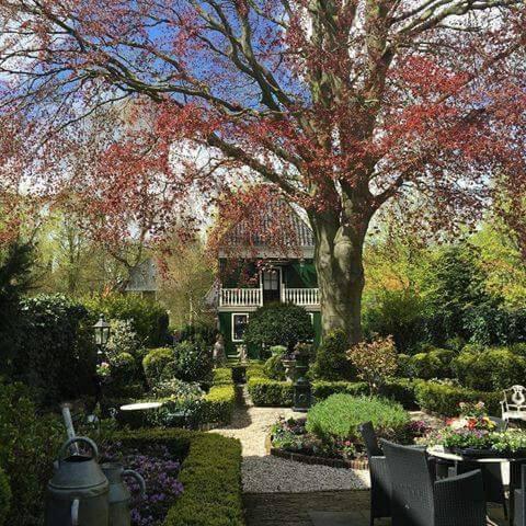 Origineel Zaans Houten Huis vlakbij Amsterdam