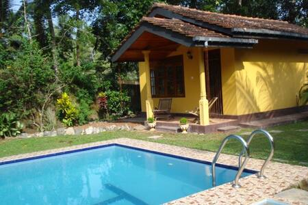 Cabana with swimming pool - Hikkaduwa - Apartment