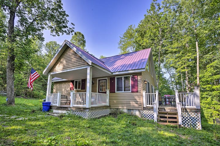 NEW! Calm Cottage on Private Lake w/ Fishing Dock!