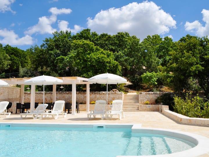 Lamie di Olimpia con giardino e piscina