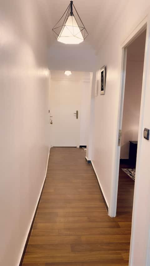 Chambre dans un appartement calme en plein centre