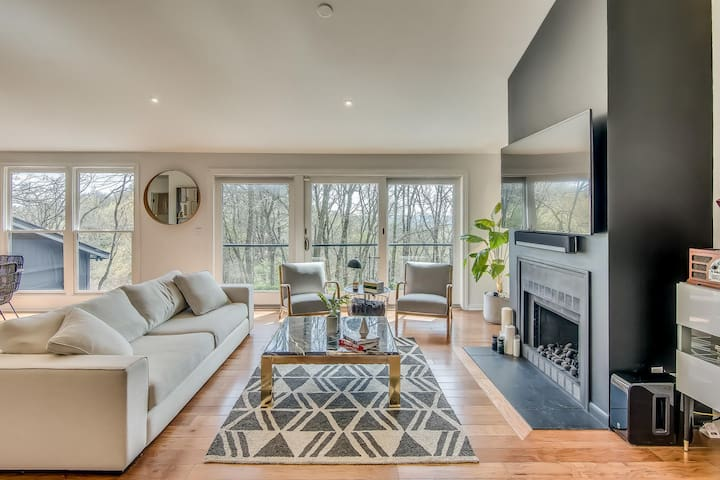 Scenic Show-stopper - Peaceful Retreat in the Hills of Nashville