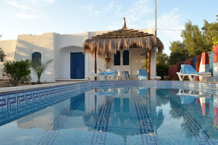 Dar Leyla with private pool 100% not overlooked - djerba - Hus