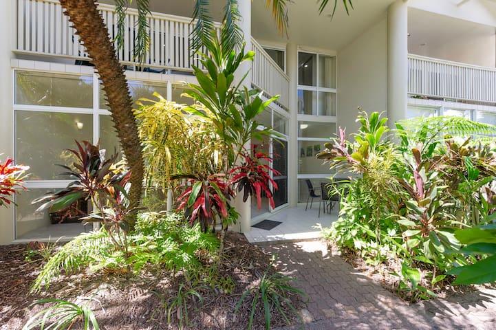 Tropical Nites - 2 Bedroom 1 Bathroom Townhouse