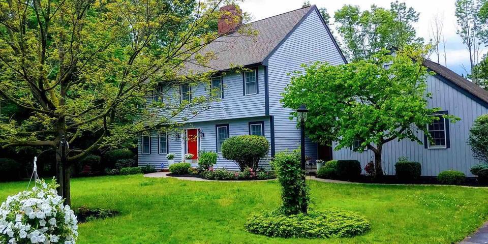 Quiet Cottage - 2 mi. to Hamilton College w/ Pool