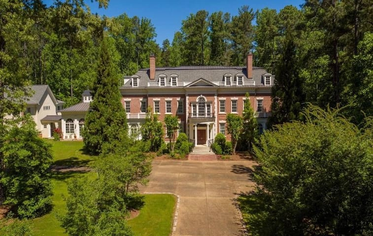 Quiet Mansion Oasis On 7 Acres Close To Pinewood