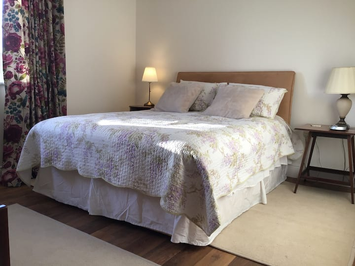 Ground floor Double room (King size bed) B & B
