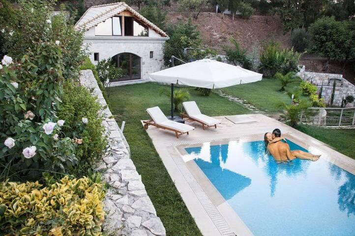 Villa at  Agia Pelagia - Xirokampos - Dům