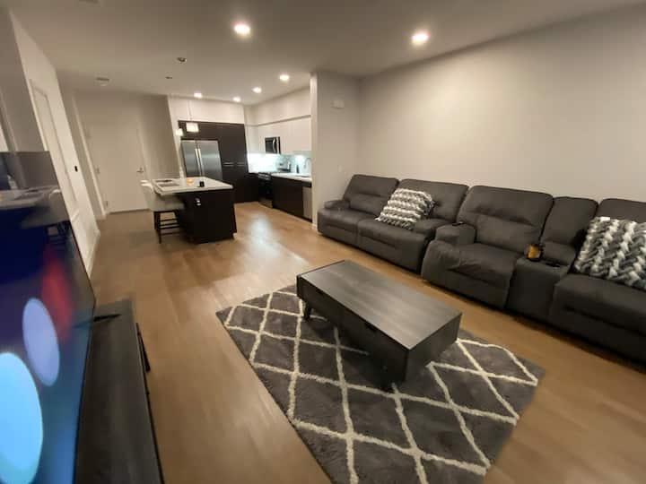 Gorgeous apartment in Newport border