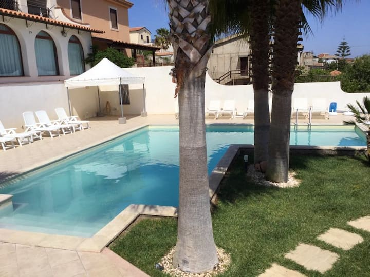 Apartment with 2 bedrooms in Marina di Palma, with wonderful sea view, shared pool, enclosed garden
