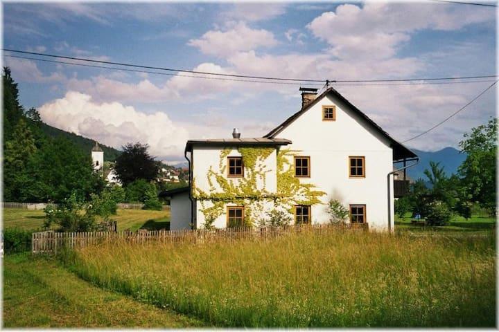 Elegant ausgestattetes Ferienhaus für 8 Personen - Nötsch im Gailtal