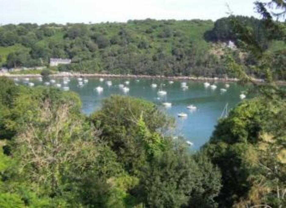 Vue sur le Léguer, rivière qui monte et descend au gré des marées