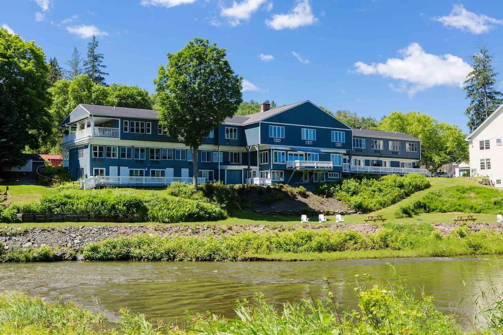 Welcome to your beautiful Vermont escape in charming Woodstock!