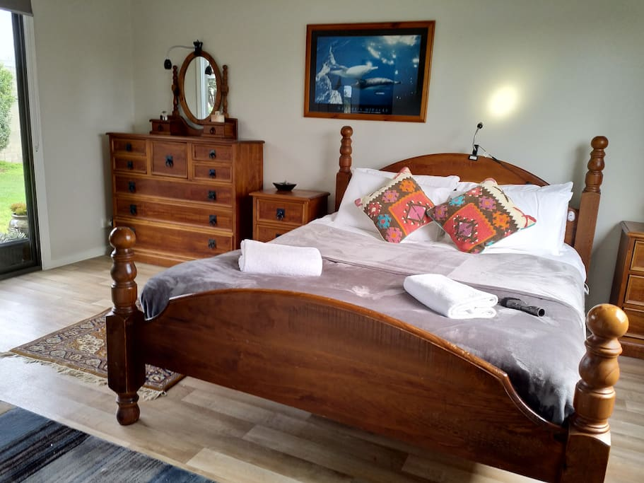 Private bedrooms - B4
