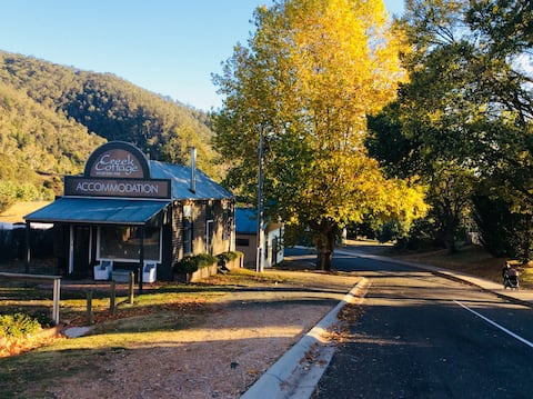 125 year old Creek Cottage, Omeo