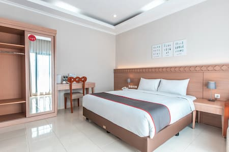 Deluxe Double in Collection O 9 Villa Ubud Anyer