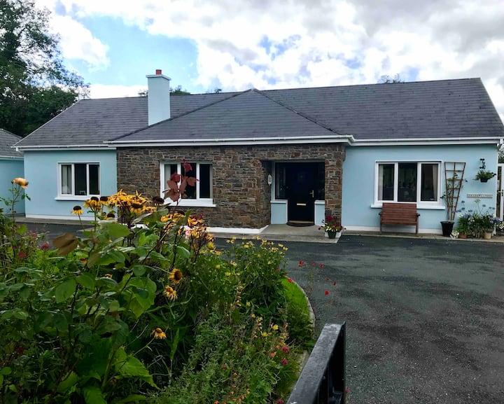 Private room+bath, fab rural views, near Killarney