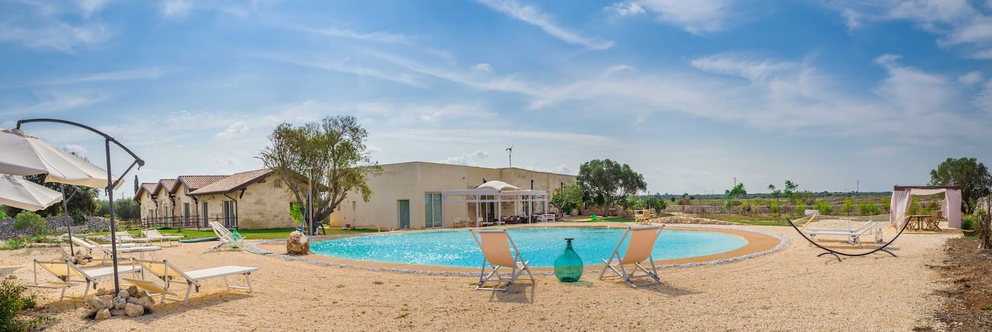 Falcon Home Resort: Suite ''Terra'' - Lecce - Pousada