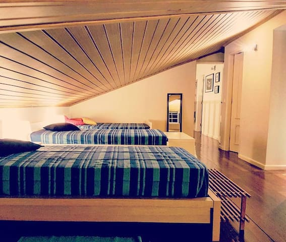 Multiple 5 bed room