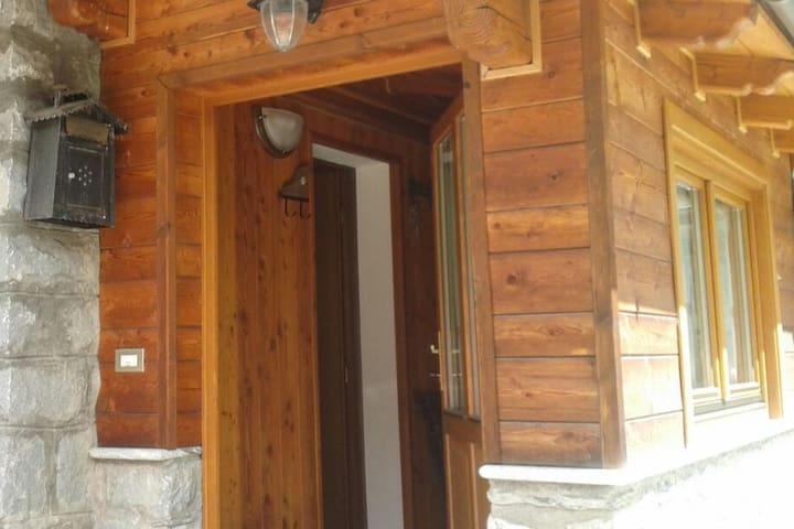 Bilocale accanto alle piste da sci con posto auto - Valtournenche, Valle d'Aosta, IT - Appartement