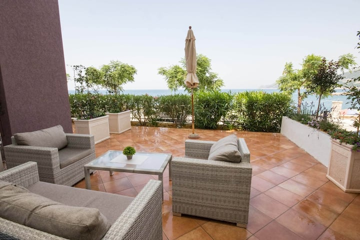 Zara - One Bedroom Apartment with  Sea View