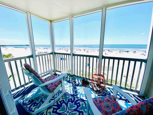 Luxury Direct Ocean View 3-Bedroom on Beach & Pool