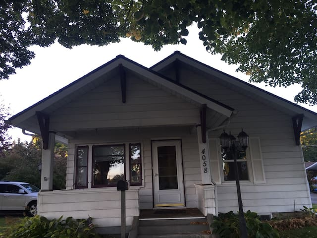 1913 Historic Craftsman
