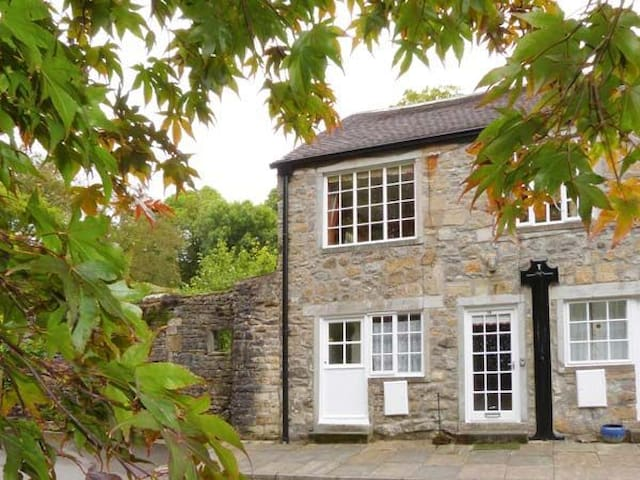 Malhamdale Riverside Apartment - North Yorkshire
