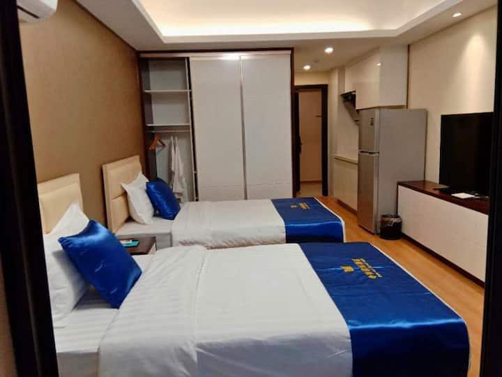 豪华标准间,舒适便捷的入住环境,是您梦寐以求的向往,比较适合商旅人士居住