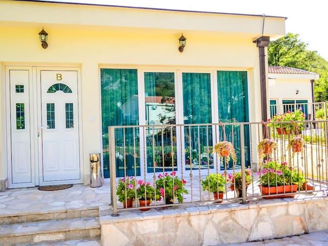 Вилла с 2 спальнями и террасой - Горњи Морињ - Villa