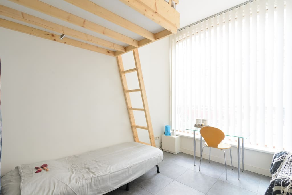 The guest room: light, spacious and comfortable