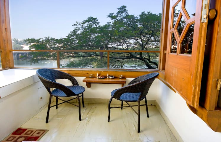 Beautiful River View  Apartment - Pune - Appartement