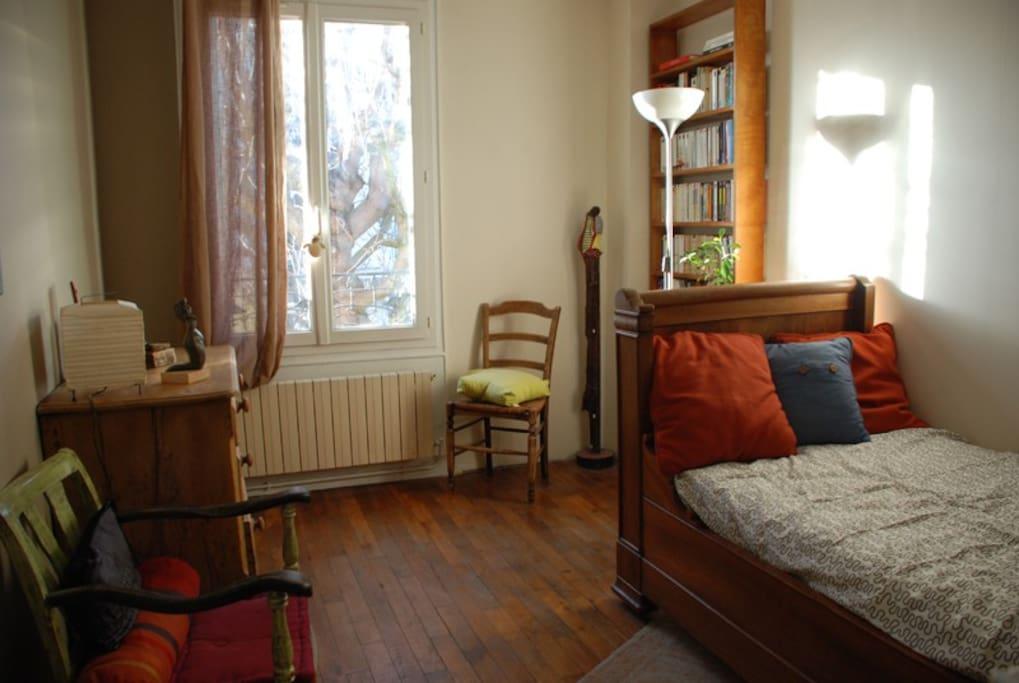 chambres de charme maison ancienne chambres d 39 h tes louer saint maur des foss s le de. Black Bedroom Furniture Sets. Home Design Ideas