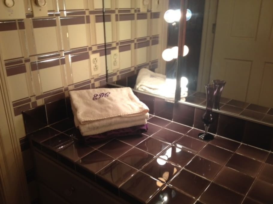 Bath vanity in Aubergine