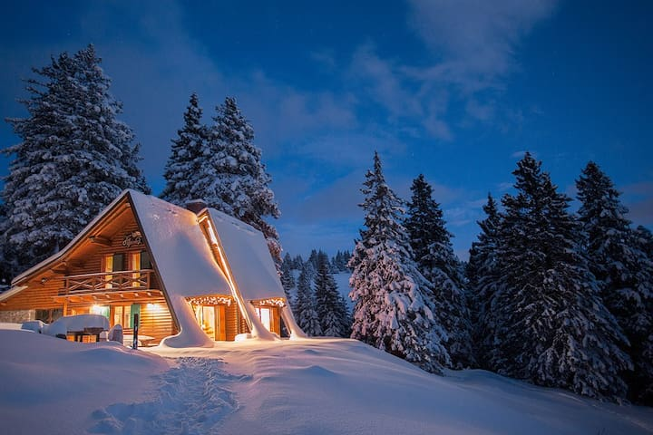 Alpine Chalet at Ski Resort 1900m - Ambrož pod Krvavcem - กระท่อมบนภูเขา