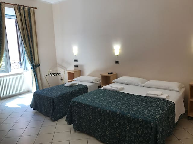 Comfy private room close to Roma Termini