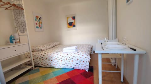 Your Paris Clean, Quiet & Comfortable Studio flat!