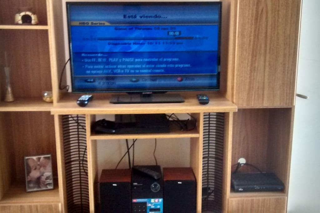 """Centro de entretenimiento con TV Smart Tv 32"""" - microocomponente con entrada bluetooth - Ps4"""
