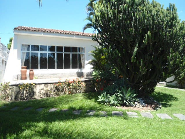 Casa Linear, 5 Quartos, Lazer Completo, 6 Vagas. - Campos - Σπίτι